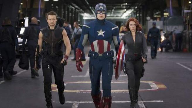 Ojo de Halcón, Capitán América y La Viuda Negra en 'Los vengadores'.