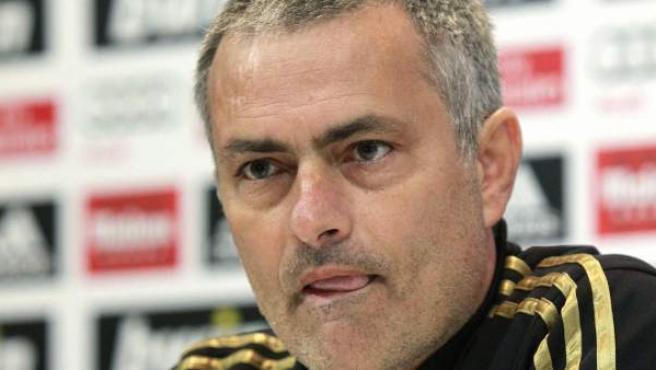 El entrenador del Real Madrid, José Mourinho, ofrece una rueda de prensa.