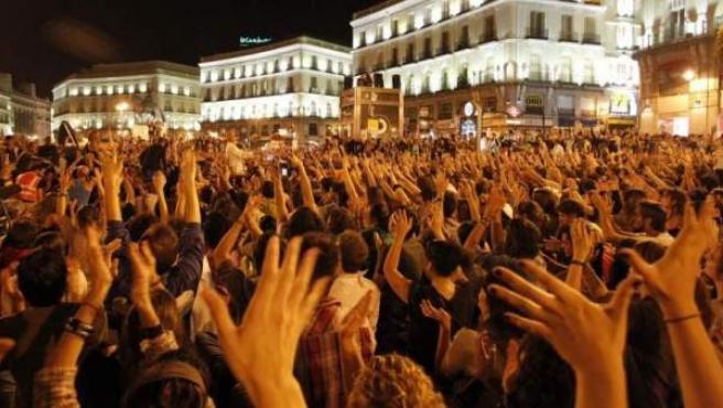 Imagen de la concentración en la Puerta del Sol madrileña posterior a la manifestación global del pasado 15 de octubre.