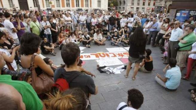 Imagen de archivo de una asamblea del movimiento 15-M en la Puerta del Sol.