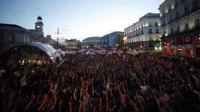 Imagen de una asamblea de los 'indignados' en la Puerta del Sol.