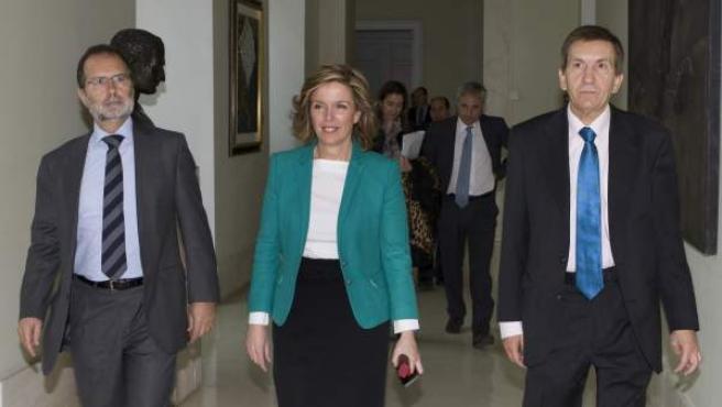Regina Plañiol, consejera de Justicia, junto a Francisco Javier Vieira (izquierda de la imagen) y Manuel Moix (derecha).