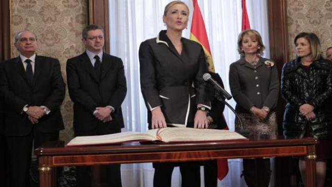 Cristina Cifuentes, en el momento de tomar posesión de su cargo como Delegada del Gobierno en la Comunidad de Madrid.