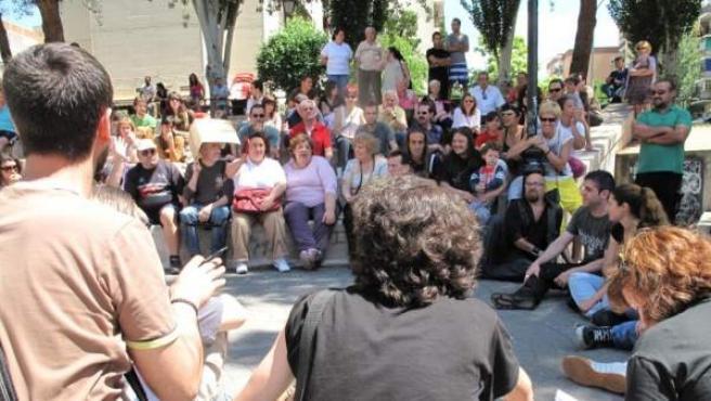 Imagen de la asamblea popular en el Parque América de Humanes de Madrid.