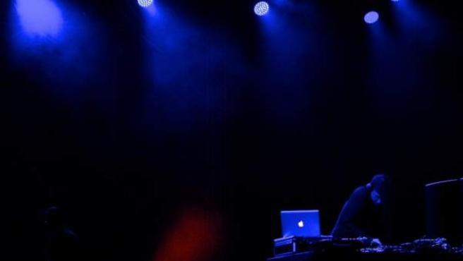 El Dj y productor escocés Hudson Mohawke en su presentación ante el público brasileño en la edición del Sónar Sao Paulo.