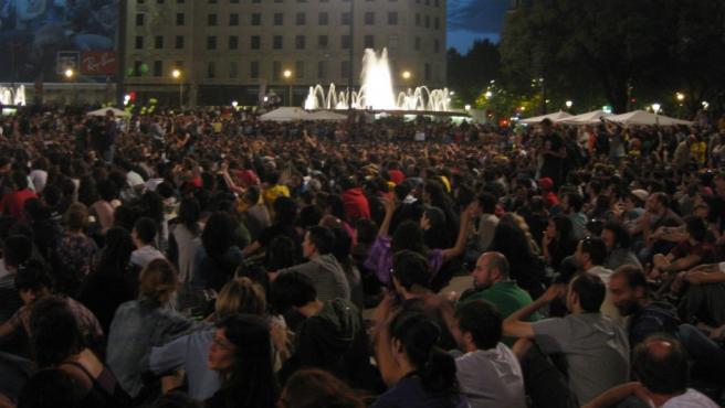 La plaza Cataluña de Barcelona, llena de 'indignados'.