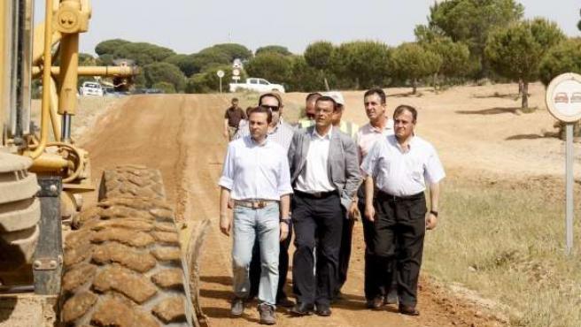 El Presidente De La Diputación, Ignacio Caraballo, Visita Los Caminos Del Rocío.