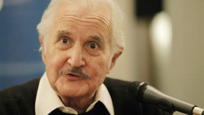 Imagen de archivo del escritor mexicano Carlos Fuentes.