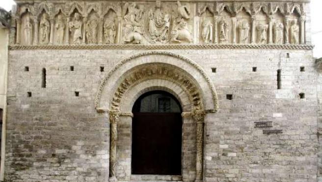 Iglesia románico palentino en Carrión de los Condes (Palencia)