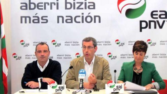 Luke Uribe, Markel Olano Y Arantza Tapia.
