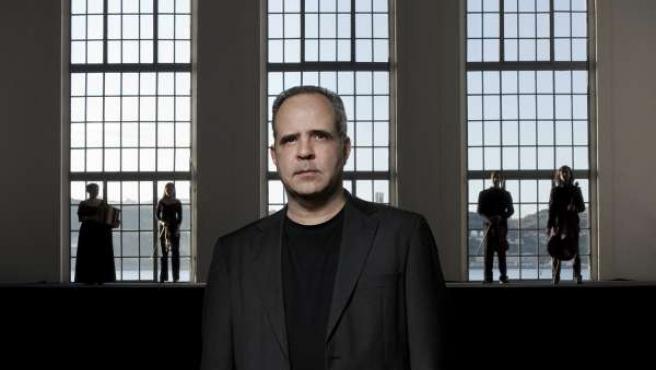 El Músico Y Compositor Rodrigo Leao