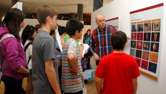 Alumnos En El Museo De Alcañiz