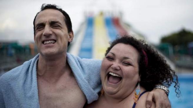 El actor Aniello Arena y la actriz Loredana Simioli, en un fotograma de 'Reality'.