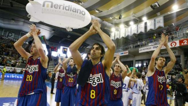 Los jugadores del Barça celebran la victoria ante el Lucentum y el pase a semifinales.