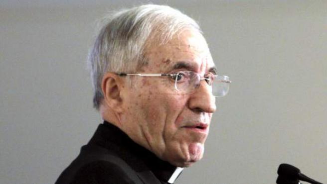 El presidente de la Conferencia Episcopal Española y arzobispo de Madrid, cardenal Antonio María Rouco Varela, durante la conferencia en el Foro de Nueva Sociedad.