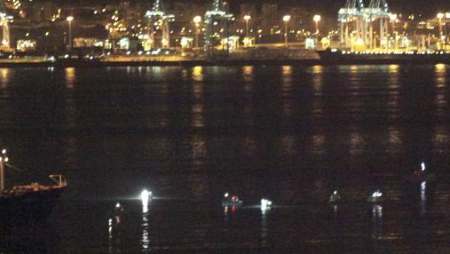 Patrulleras de la Royal Gibraltar Police y de la Royal Navy salen este miércoles al paso de tres pesqueros de Algeciras.