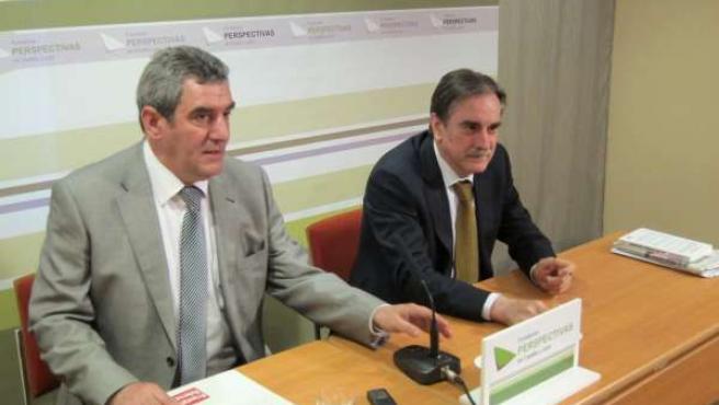 Julio Villarrubia (Izquierda) Junto A Valeriano Gómez (Derecha)
