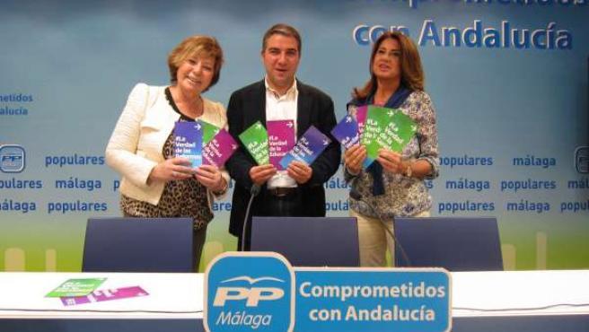 Celia Villalobos, Elías Bendodo y Ana Rico