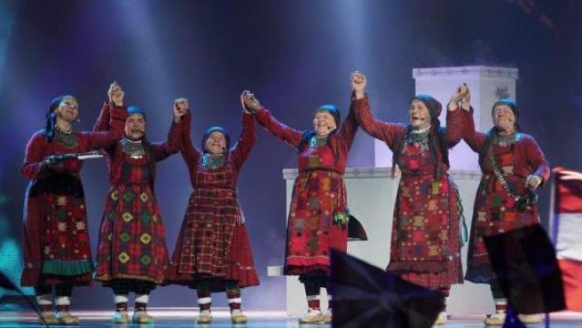 La agrupación rusa Buranovskiye Babushki se presenta en la primera semifinal del Concurso de la Canción Eurovisión 2012, en Baku (Azerbaiyán). El final del certamen se llevará a cabo el próximo día 26.