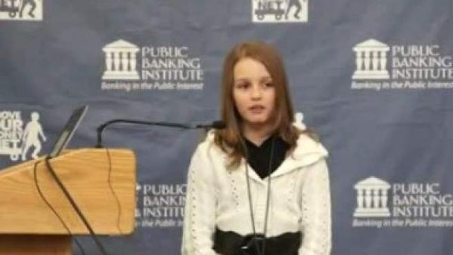 Victoria Grant,de 12 años, ya es un fenómeno en la Red.