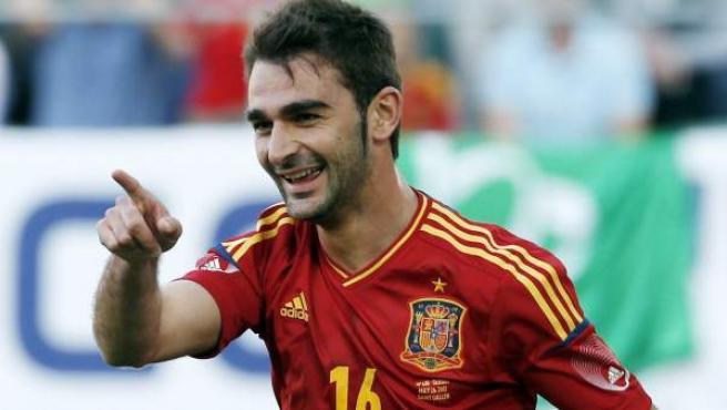Adrián se estrena como goleador con la Selección Española.