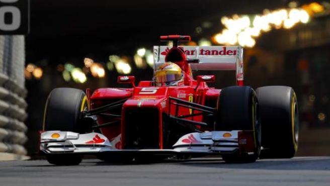 El Ferrari de Fernando Alonso, durante el Gran Premio de Mónaco de Fórmula 1.
