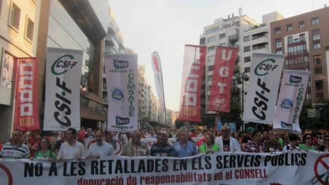 Cabecera De La Manifestación Contra Los Recortes En Servicios Públicos