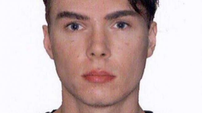 Imagen facilitada por la Interpol del presunto asesino Luka Rocco Magnotta, conocido como el descuartizador de Canadá.