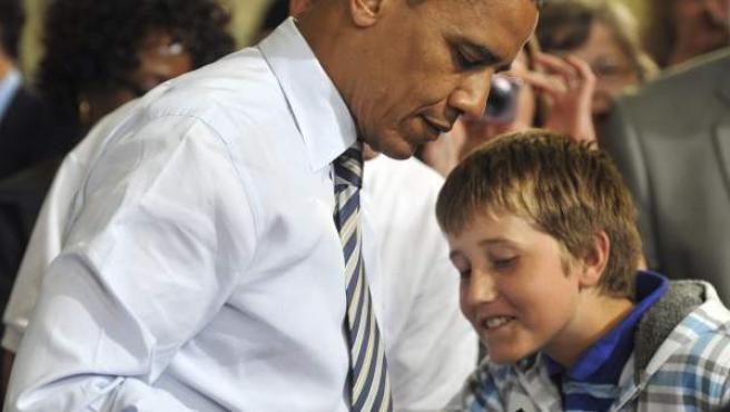 El presidente de los Estados Unidos, Barack Obama, con Tyler Sullivan.