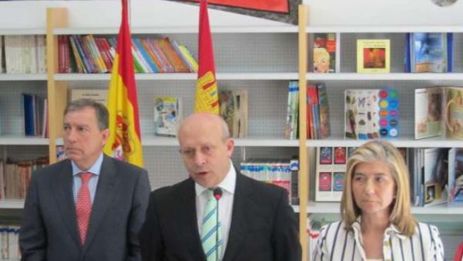 Wert Durante Su Visita Al CP Miguel De Cervantes De Valladolid