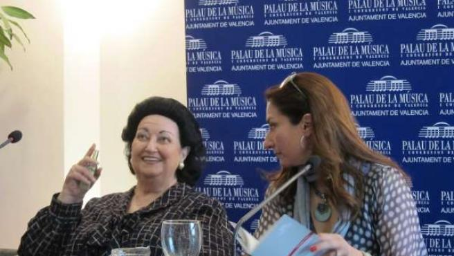 La Cantante Montserrat Caballé, Junto A Su Hija Montserrat Martí