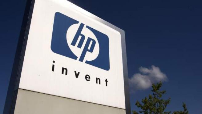 Letrero con el logotipo de Hewlett-Packard.