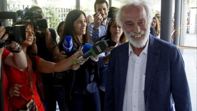 El cantautor Javier Krahe, a su llegada al juzgado de lo Penal número 8 de Madrid.