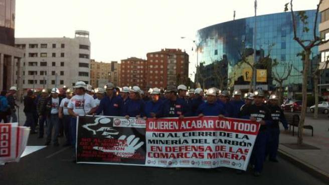 Multitud De Mineros Recorren Las Principales Calles De León