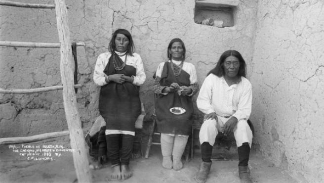 Foto de Charles Lummis al cacique de Isleta Pueblo, Bautista Chivira, en septiembre de 1892