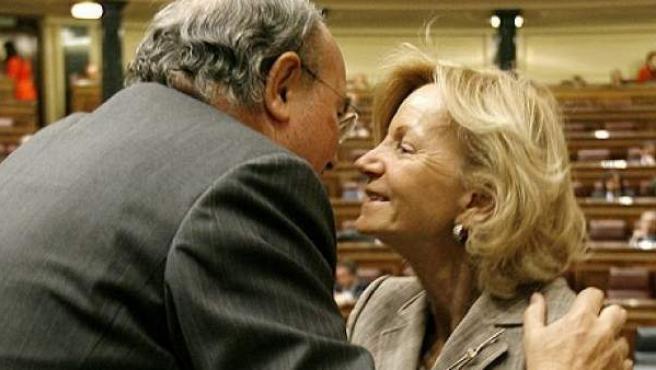Los exministros de Economía Pedro Solbes y Elena Salgado, en el Congreso.