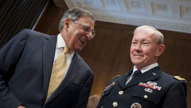 El secretario de Defensa estadounidense, Leon Panetta, y el jefe de la Junta de Jefes de Estado Mayor de EE UU, general Martin Dempsey.