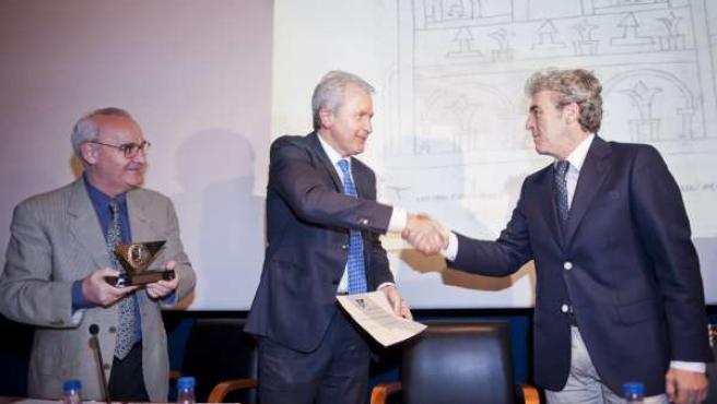 Emilio Del Río Recibe El Premio Honorífico De La Sociedad De Estudios Latinos