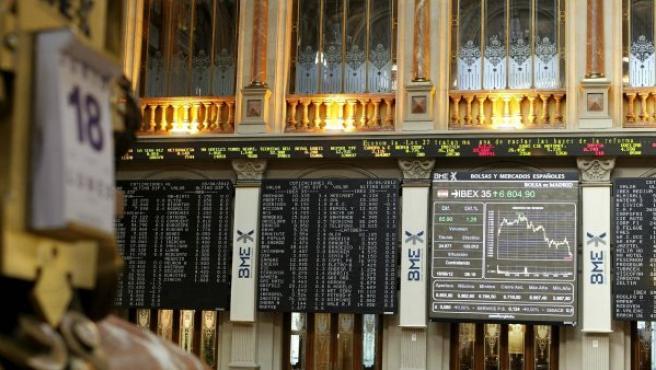 Aspecto del panel de la Bolsa de Madrid, este lunes 18 de junio.