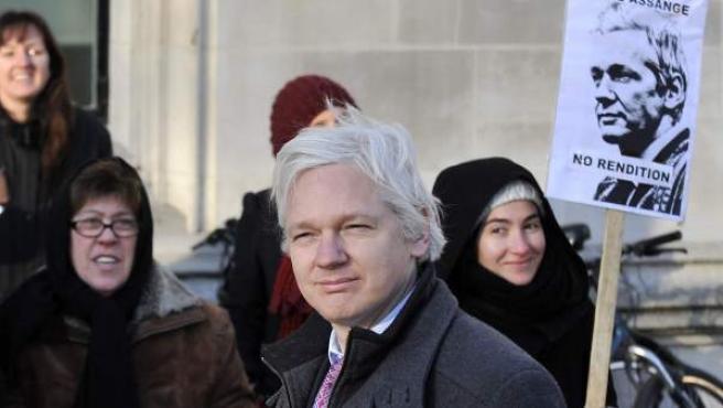 El fundador de Wikileaks, Julian Assange, a su llegada al Tribunal Supremo británico.