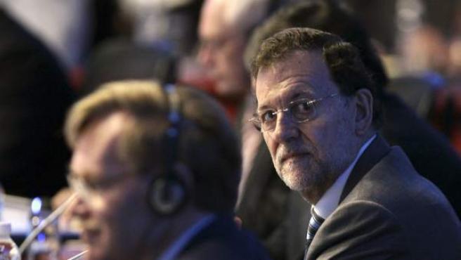 El presidente del Gobierno español, Mariano Rajoy, durante la primera sesión plenaria de la cumbre del G20 que tiene lugar el lunes 18 de junio de 2012, en el Centro Internacional de Convenciones de la ciudad de Los Cabos, en el estado mexicano de Baja California.