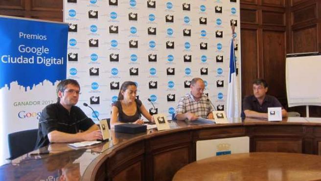 Representantes Ayuntamiento San Sebastian Y Google