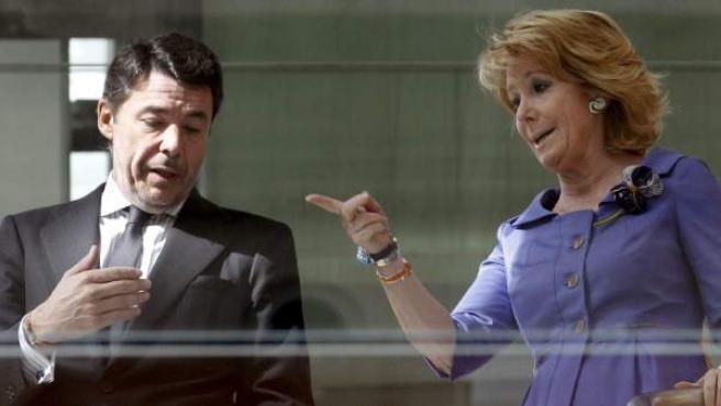 La presidenta de la Comunidad de Madrid, Esperanza Aguirre, junto al vicepresidente autonómico, Ignacio González.