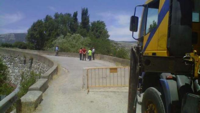 Reparación del puente de acceso a El Burgo