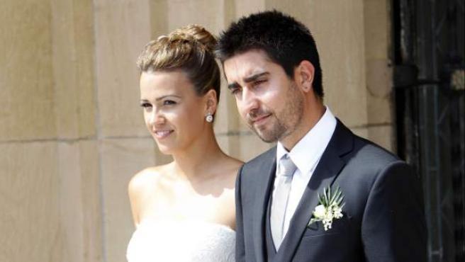 Álex Ubago y María Alcorta durante su boda.