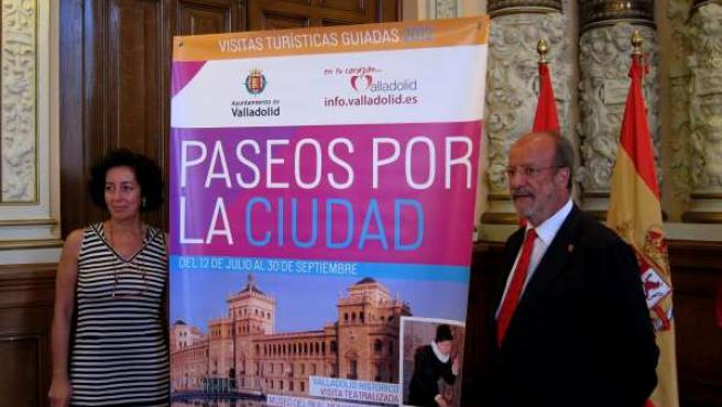 De La Riva Y Cantalapiedra Presentan 'Paseos Por La Ciudad'
