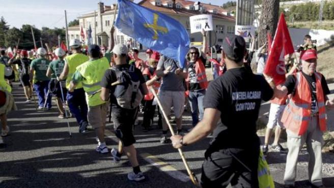 La 'marcha negra' de la minería del carbón ha entrado en la Comunidad de Madrid para concentrarse el miércoles en la capital en protesta contra los recortes a las ayudas del sector.