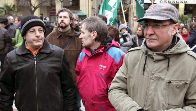 El diputado general de Guipuzcoa, Martin Garitano (d), junto al alcalde de la capital donostiarra, Juan Karlos Izaguirre (i), y a su secretario, Josetxo Ibazeta (c).