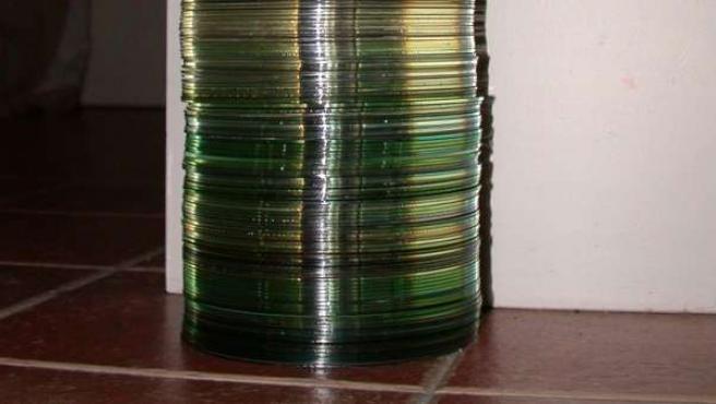 Una torre de CDs.