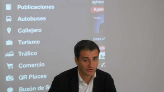 Miguel Saínz en una rueda de prensa
